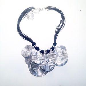 Jewelry - 💲5️⃣ SALE • the amazing statement necklace